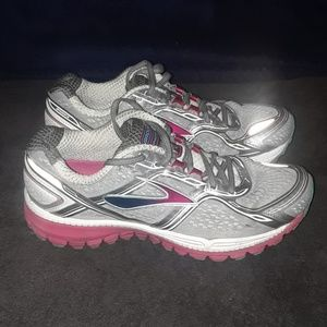 BROOKS Ghost 8th Edition Women's Running Shoes 8 D